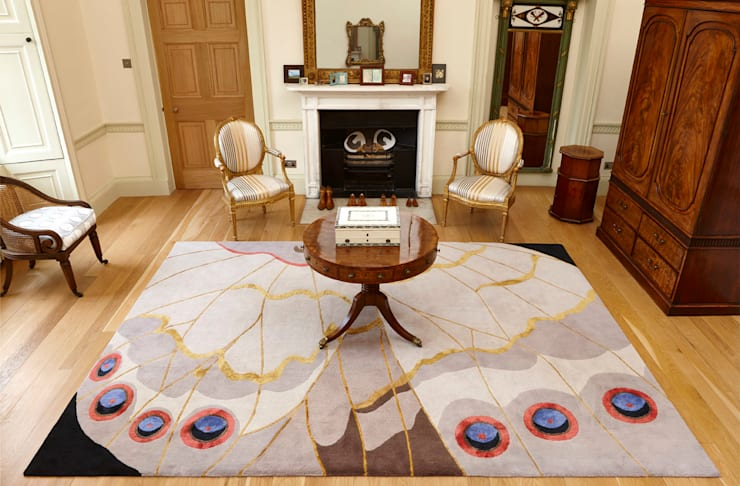 Deirdre Dyson PAPILLION hand knotted wool and silk rug: classic Living room by Deirdre Dyson LLP