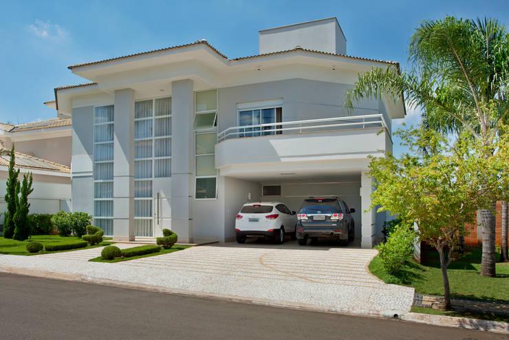 Casa Piracicaba: Casas  por Arquiteto Aquiles Nícolas Kílaris