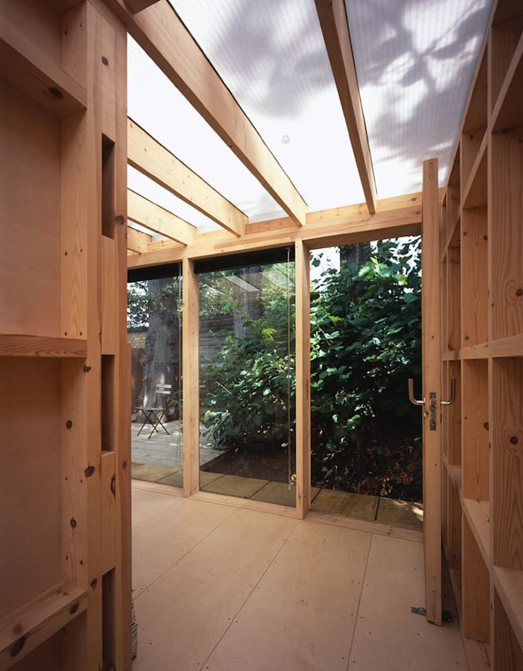 The new Summerhouse:  Garage/shed by Ullmayer Sylvester, Modern