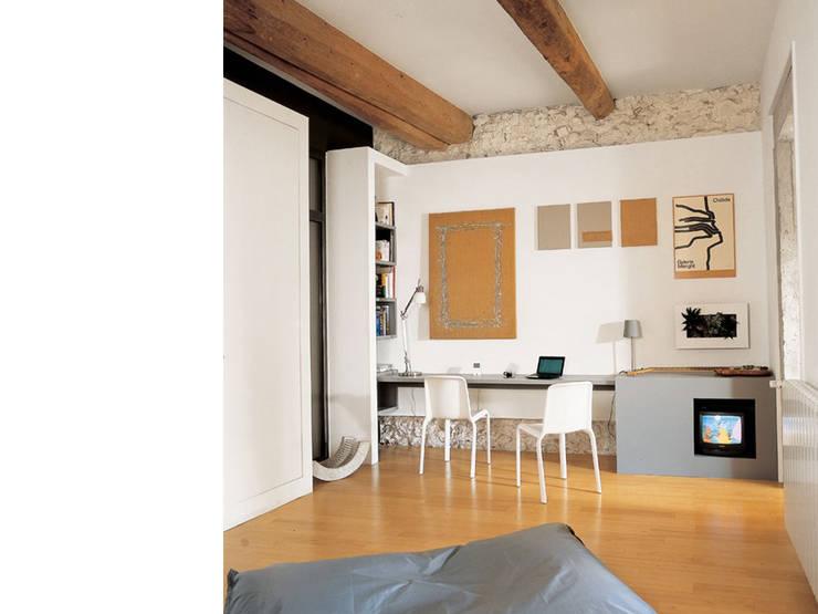 Ruang Kerja by atelier julien blanchard architecte dplg