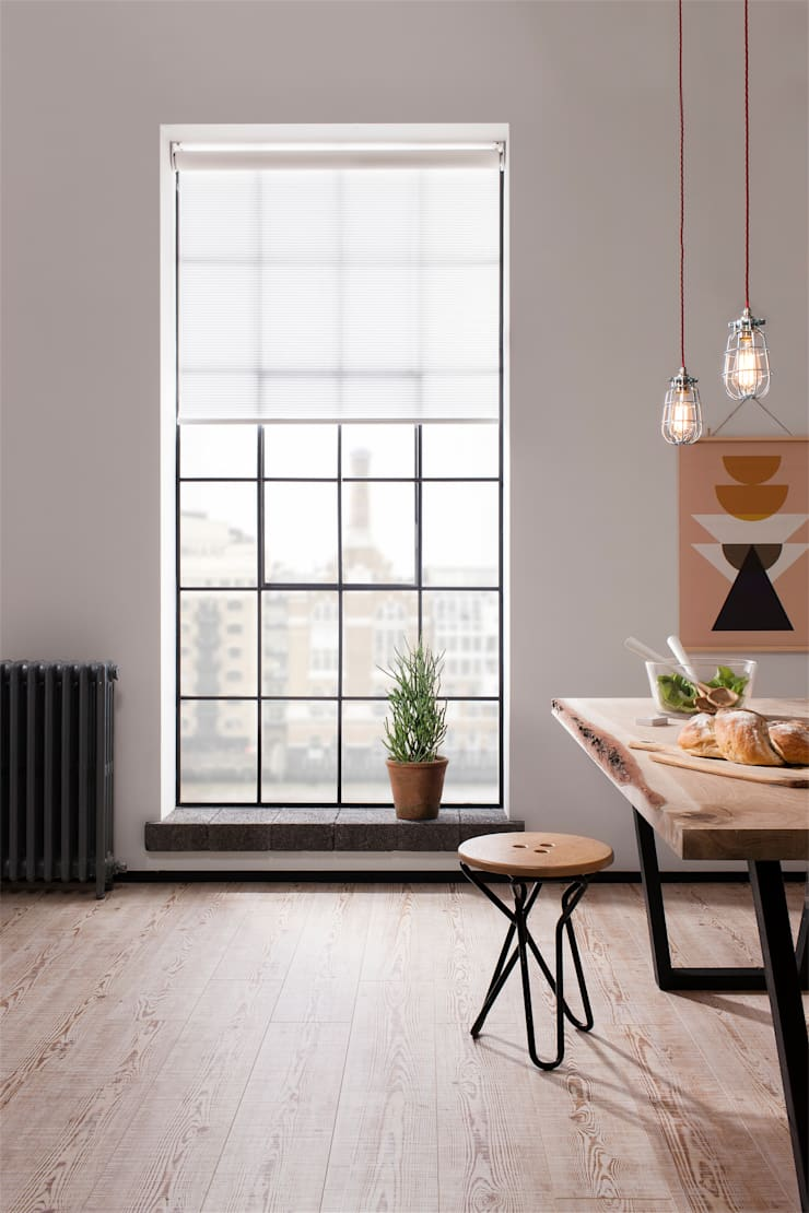 London Penthouse Apartment:  Dining room by QMotion, Industrial