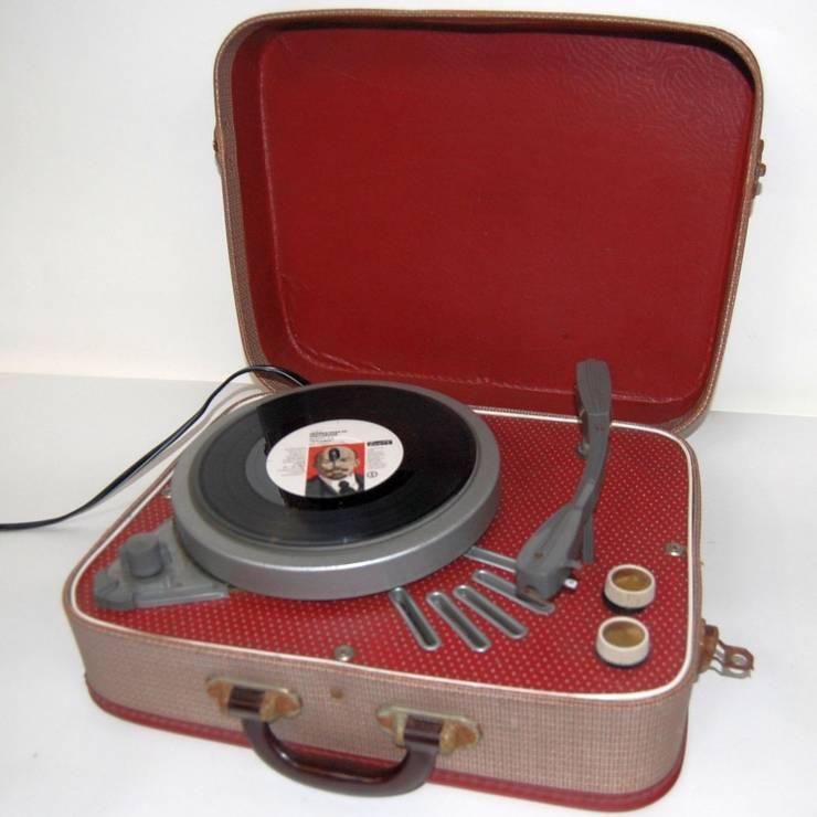 Restored 1960s Vintage Regentone Portable Record Player: eclectic Living room by Retro Bazaar Ltd