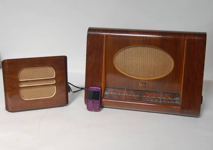 eclectische Woonkamer door Retro Bazaar Ltd
