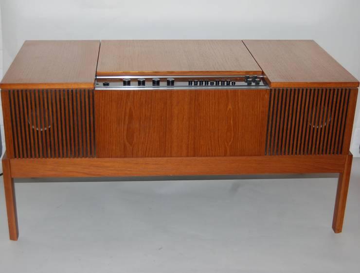 Vintage 1960s HMV Radiogram:  Living room by Retro Bazaar Ltd, Minimalist