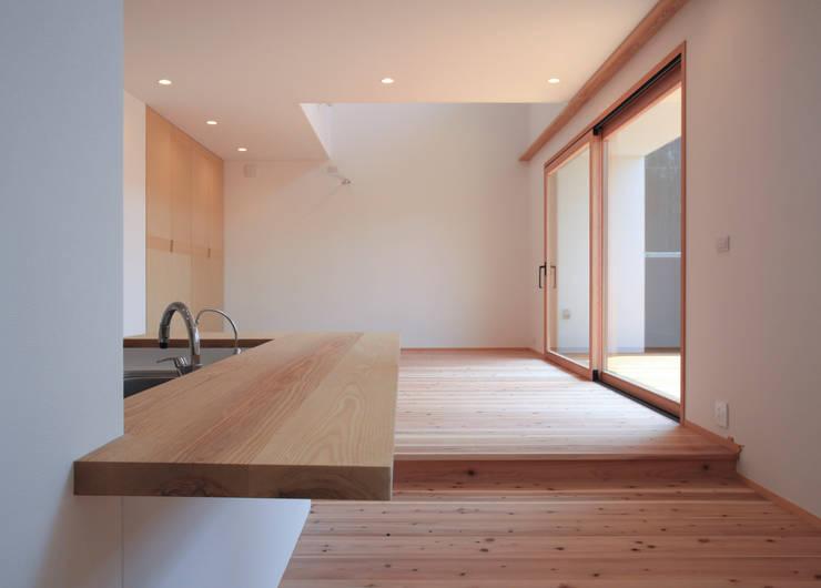 Dining room by スミカデザインオフィス, Modern