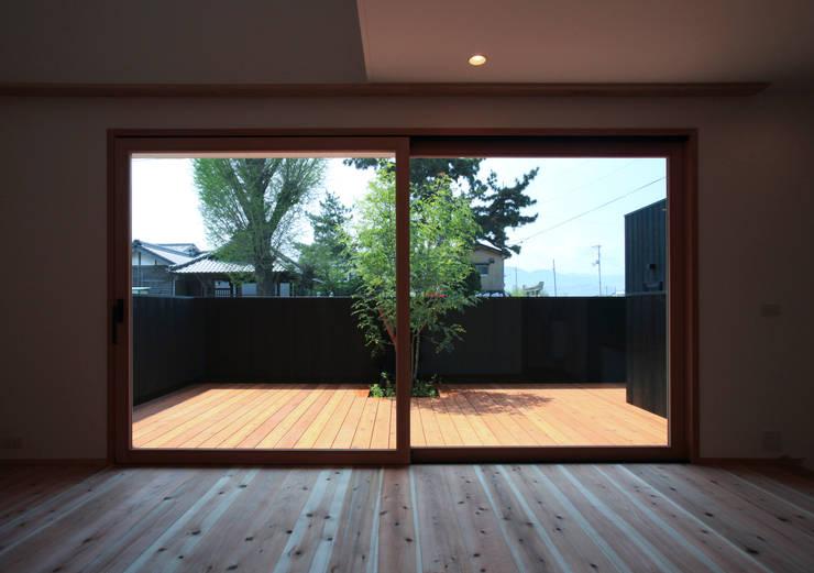 Living room by スミカデザインオフィス, Modern