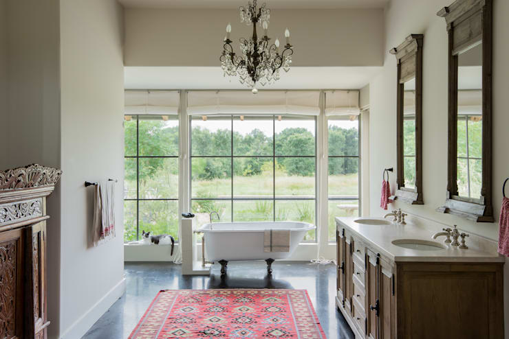 Bagno in stile In stile Country di Hugh Jefferson Randolph Architects