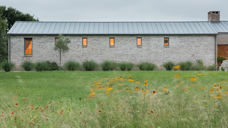 Casas de estilo rural por Hugh Jefferson Randolph Architects
