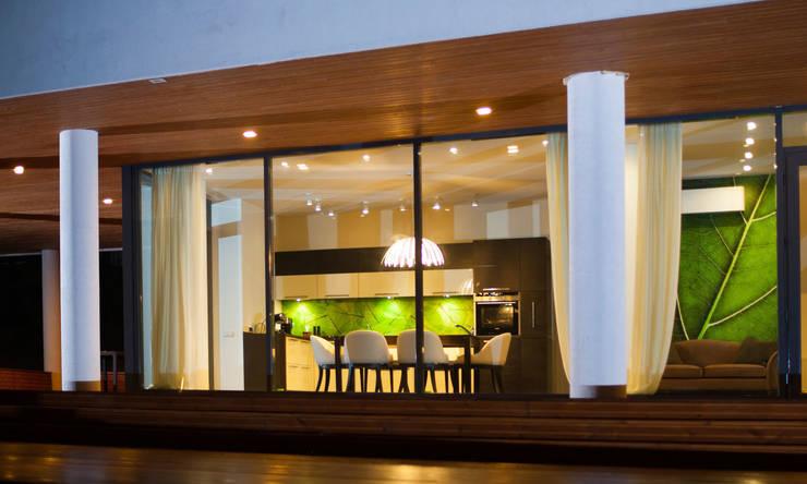 Colun house: Столовые комнаты в . Автор – Didenkül+Partners
