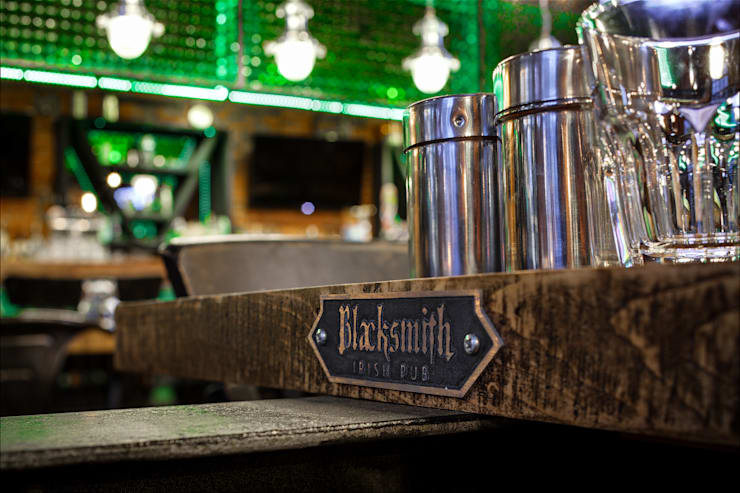 BLACKSMITH PUB: Ресторации в . Автор – G-sign Creative Lab.