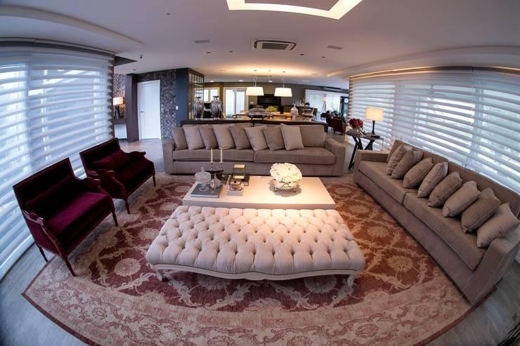 Sala de estar  por Joana & Manoela Arquitetura