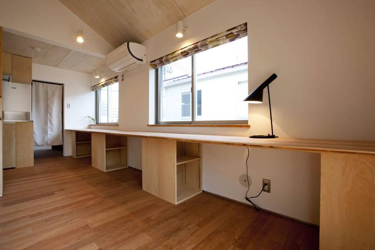 久が原の家: 光風舎1級建築士事務所が手掛けた書斎です。,