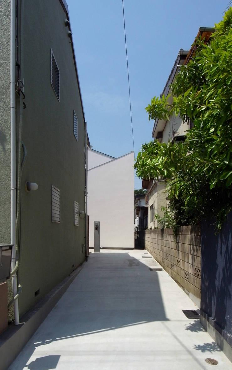 DOG COURTYARD HOUSE: 充総合計画 一級建築士事務所が手掛けた家です。,地中海
