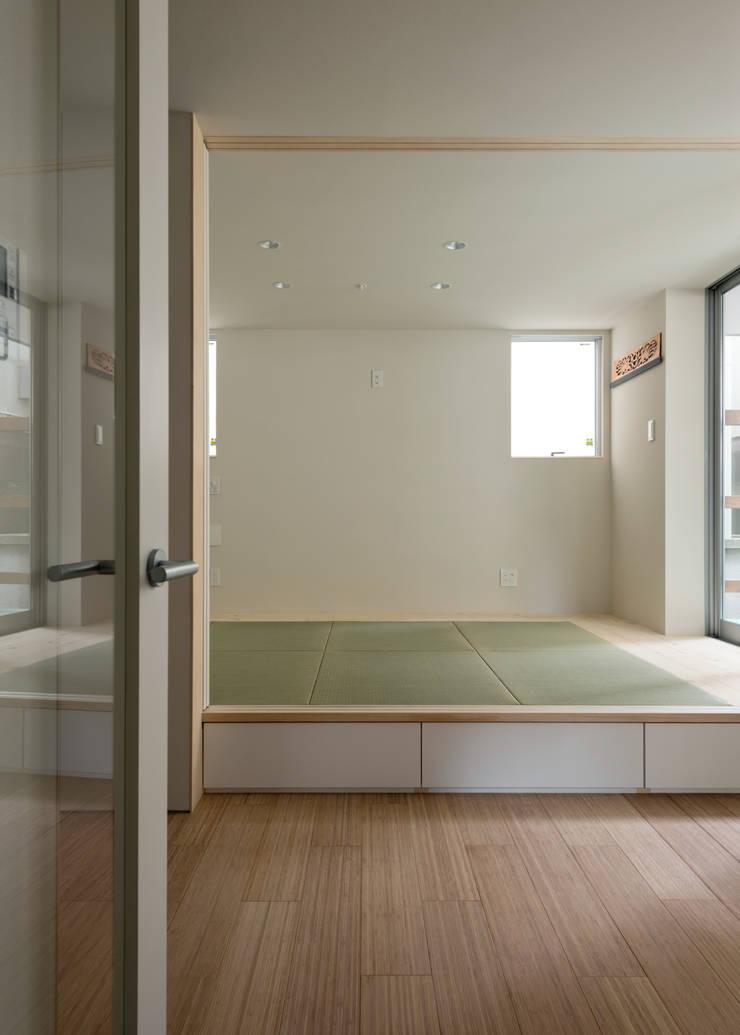 ENCLOSE: 充総合計画 一級建築士事務所が手掛けた和室です。