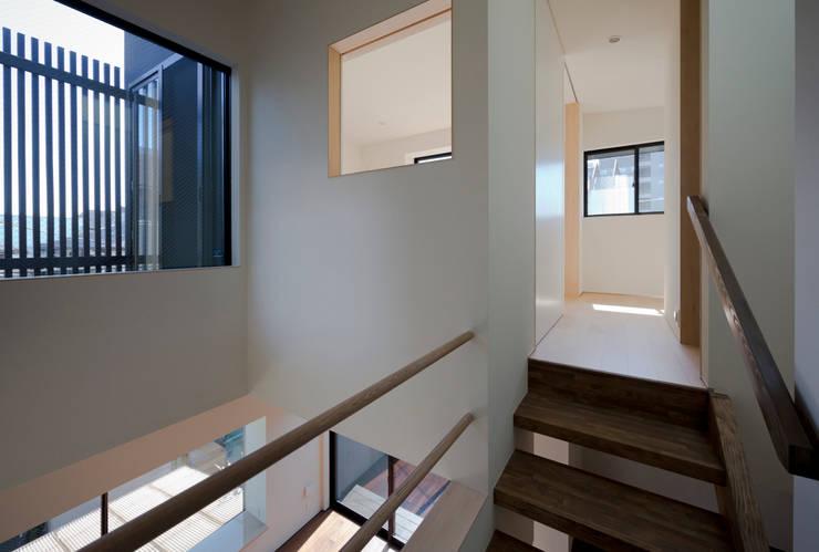 Koridor dan lorong oleh 充総合計画 一級建築士事務所, Modern