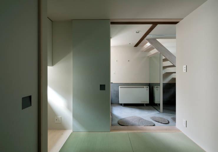 FORT: 充総合計画 一級建築士事務所が手掛けた和室です。,モダン