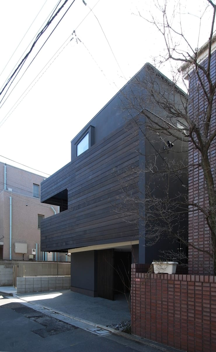 Houses by 充総合計画 一級建築士事務所, Modern