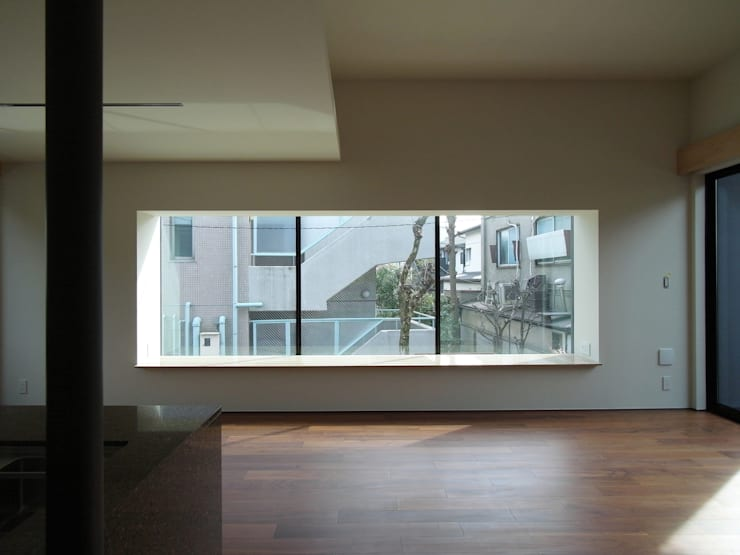 Jendela oleh 充総合計画 一級建築士事務所, Modern
