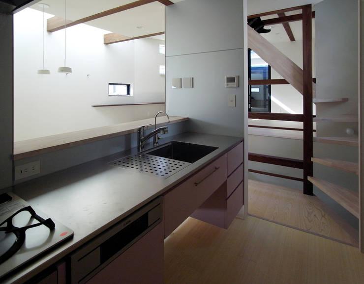 FORT: 充総合計画 一級建築士事務所が手掛けたキッチンです。,モダン