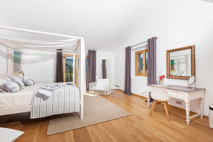 DORMITORIO DOBLE: Dormitorios de estilo  de felip polar