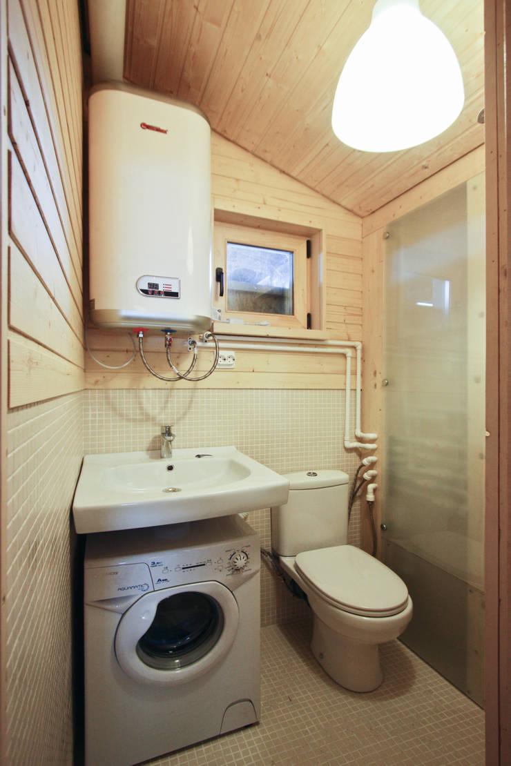 ДубльДом: Ванные комнаты в . Автор – BIO - architectural Bureau of Ivan Ovchinnikov,