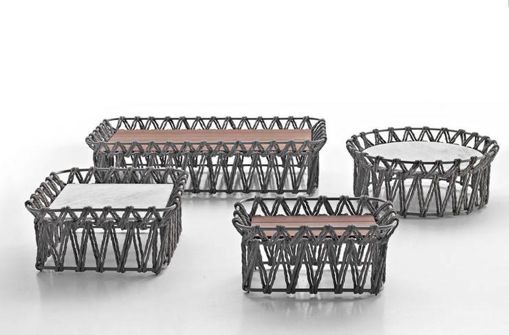 Mobiliario de jardines y exteriores: Jardín de estilo  de Muebles caparros