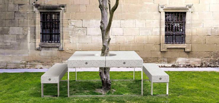 Jardín de estilo  por Muebles caparros