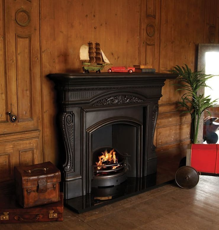 The Buckingham Fire Surround with the London Plate Insert : classic  by UK Architectural Antiques , Classic