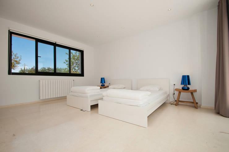 Can Pep de Sa Guaita: Dormitorios de estilo  de Ivan Torres Architects