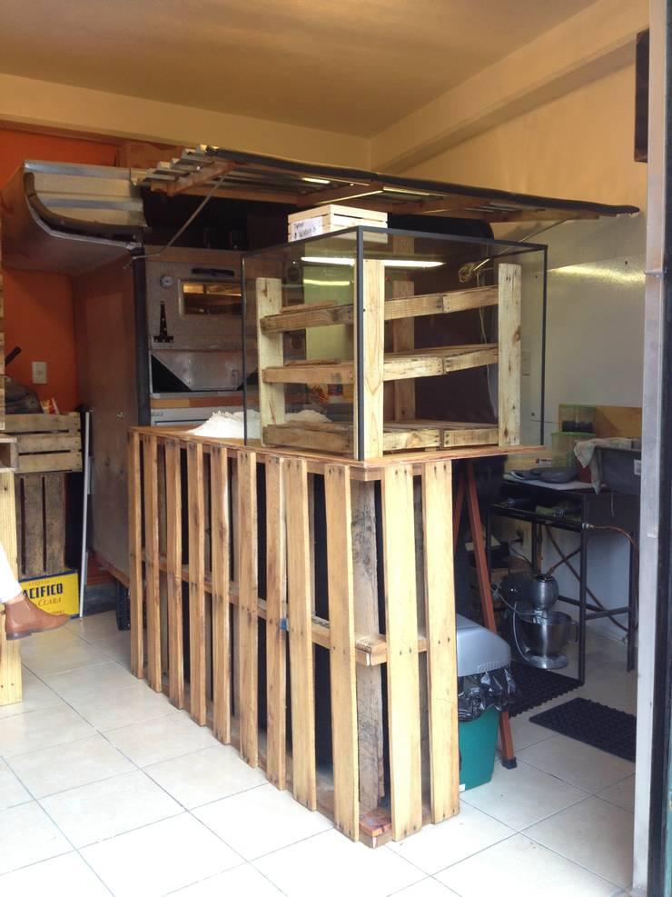 restaurante: Restaurantes de estilo  por Armatoste studio
