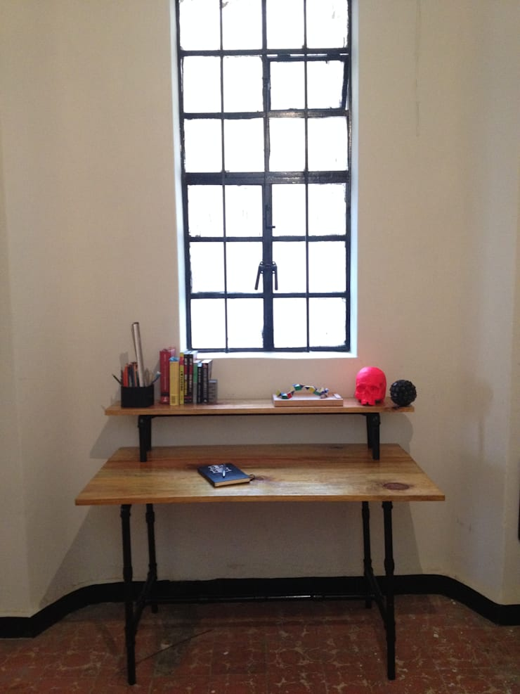 escritorio: Estudio de estilo  por Armatoste studio