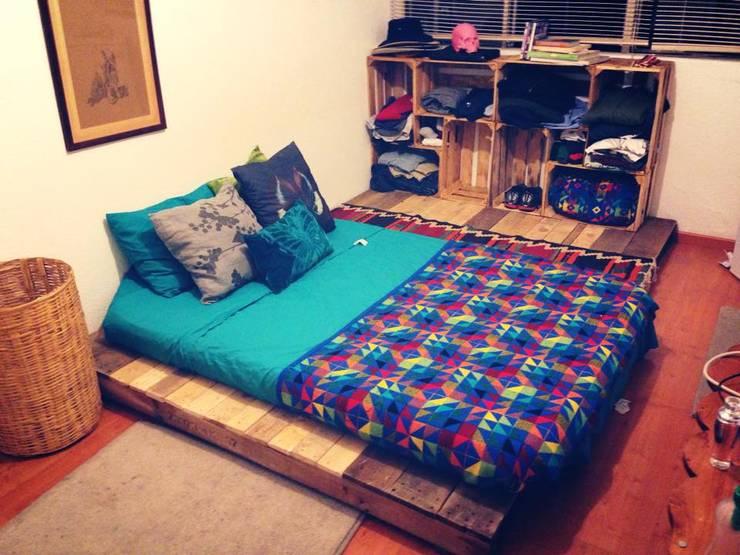 Dormitorios de estilo  de Armatoste studio