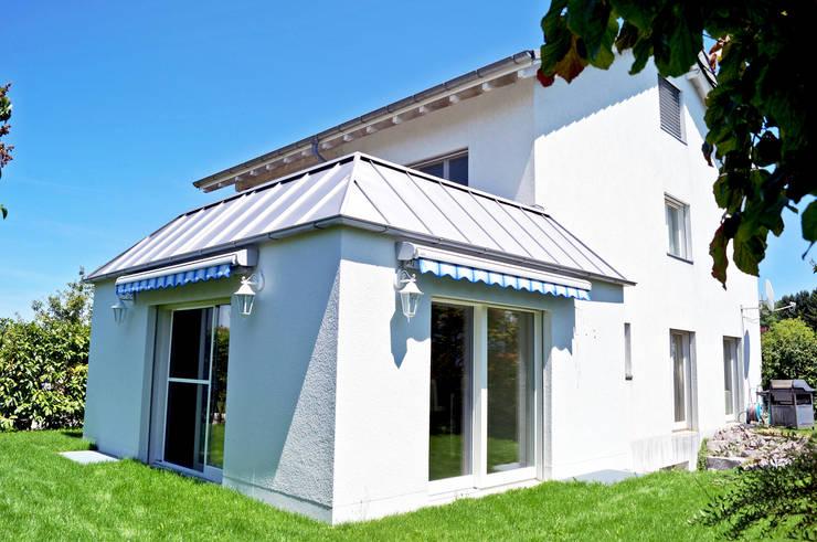 Anbau Wohnzimmer an EFH:  Häuser von Füglistaller Architekten AG