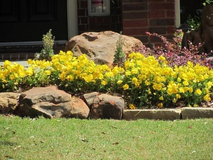Ландшафтный дизайн - цветочная клумба :  в . Автор – Студия 'ART Story'