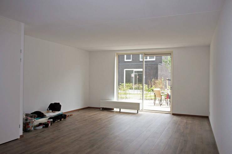 de estilo  de WandenPlafondSpuiten.nl | latex spuiten | spack spuiten | stucwerk, Moderno