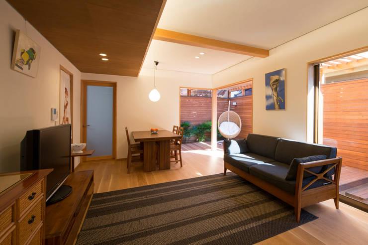 アトリエ・ブリコラージュ一級建築士事務所의  거실