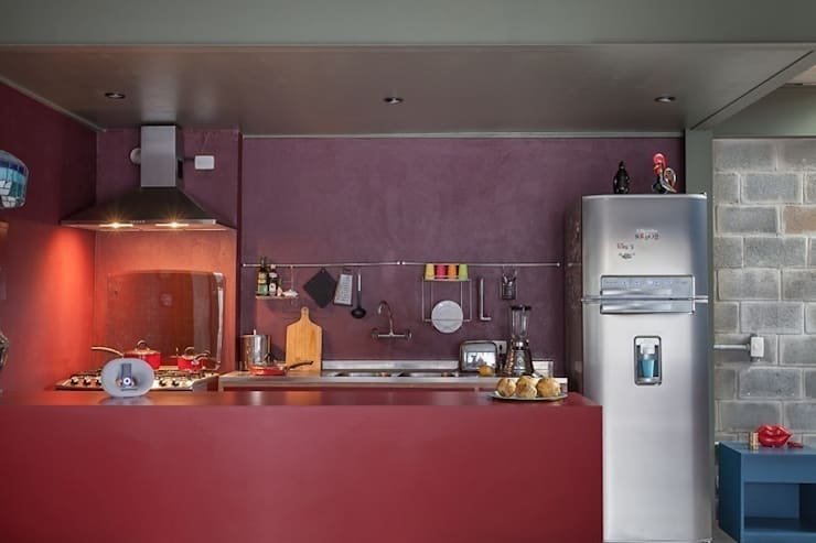 Residência Bandeiras: Cozinhas  por ARKITITO,Industrial