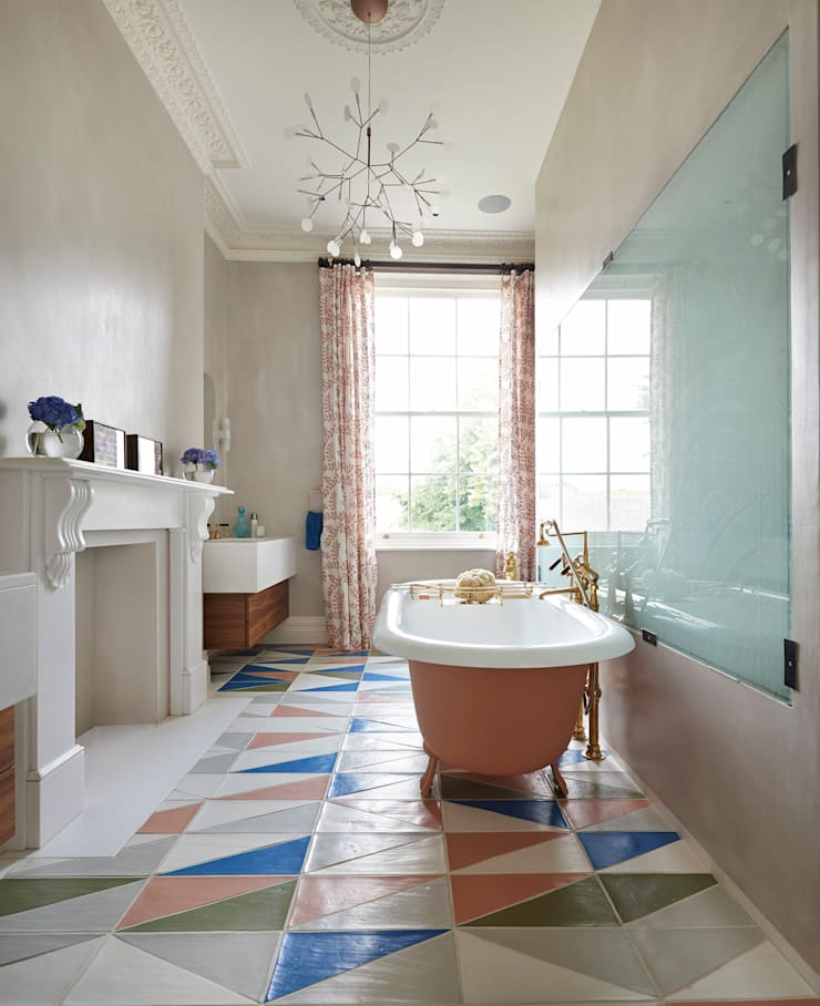 Drummond's Case Study: London Townhouse, Notting Hill:  Bathroom by Drummonds Bathrooms, Modern