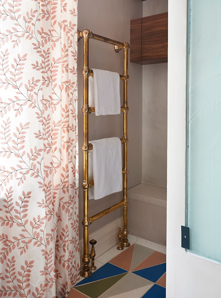 Drummond's Case Study: London Townhouse, Notting Hill: classic  by Drummonds Bathrooms, Classic