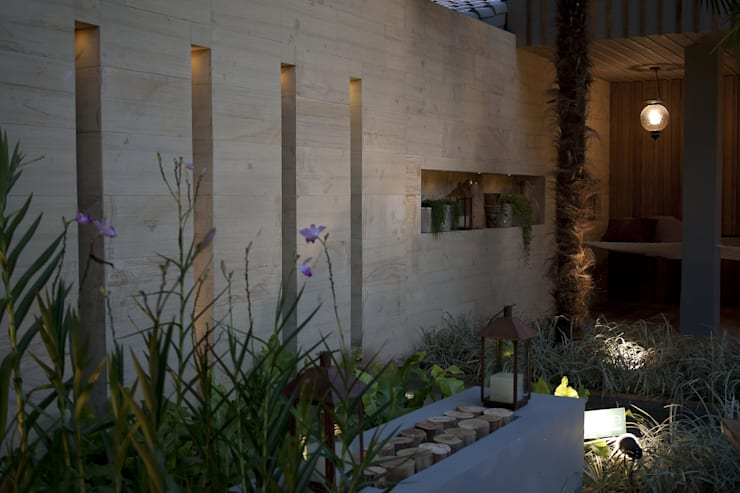 Pátio São Paulo: Locais de eventos  por Mera Arquitetura Paisagistica