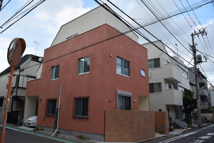 南西面: uedA一級建築士事務所が手掛けた家です。