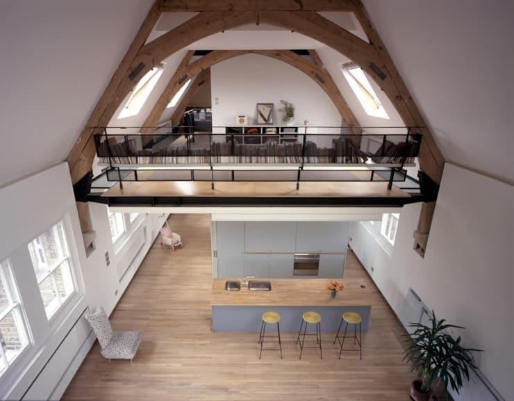 The School House:  Living room by reForm Architects, Modern
