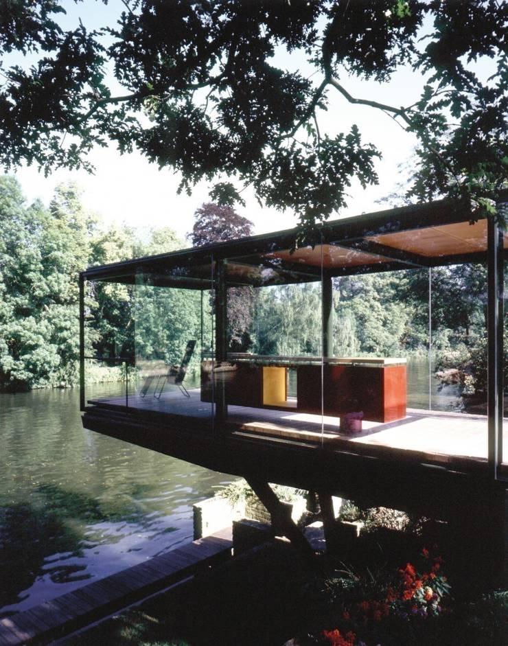 The Boat Pavillion:  Garden by reForm Architects, Minimalist