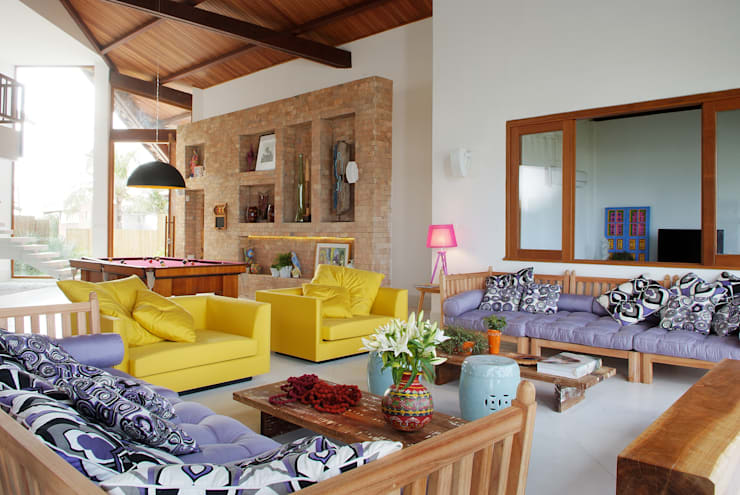 Casa Praia dos Lagos: Salas de estar modernas por Arquitetura 3