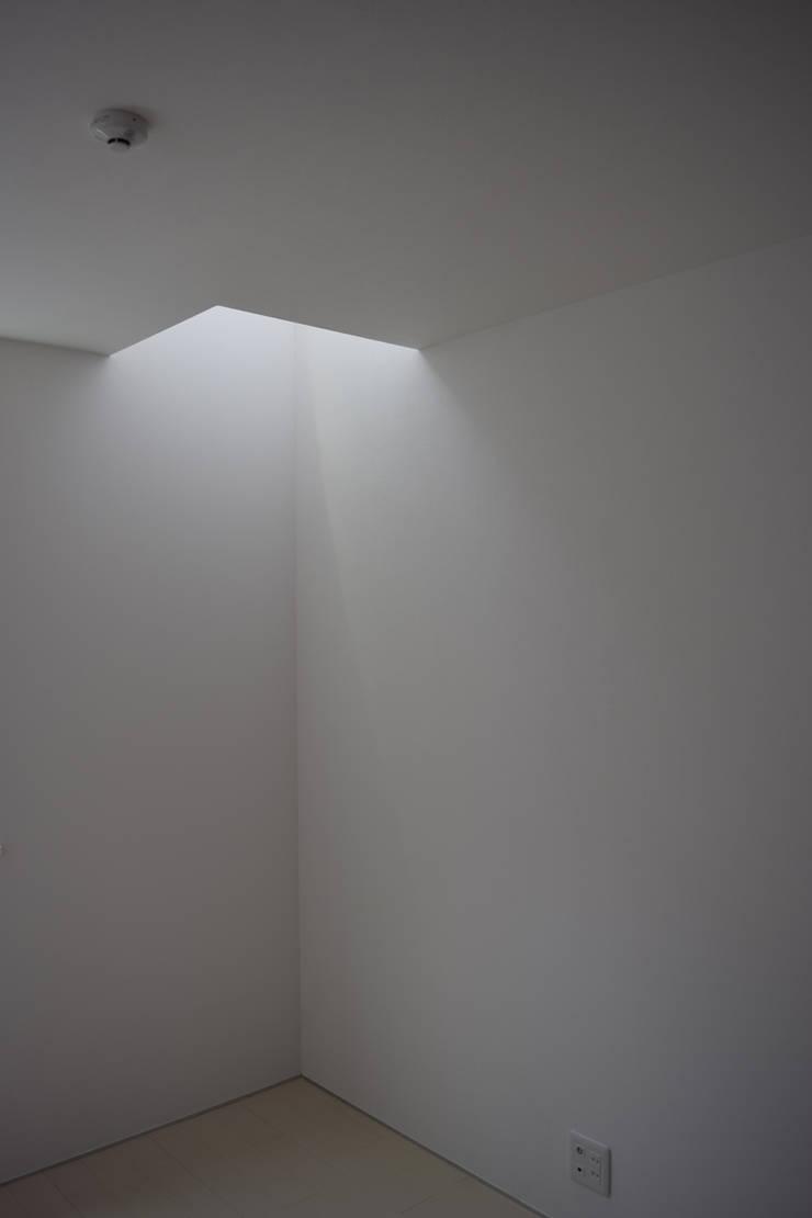 洋室: uedA一級建築士事務所が手掛けた寝室です。,