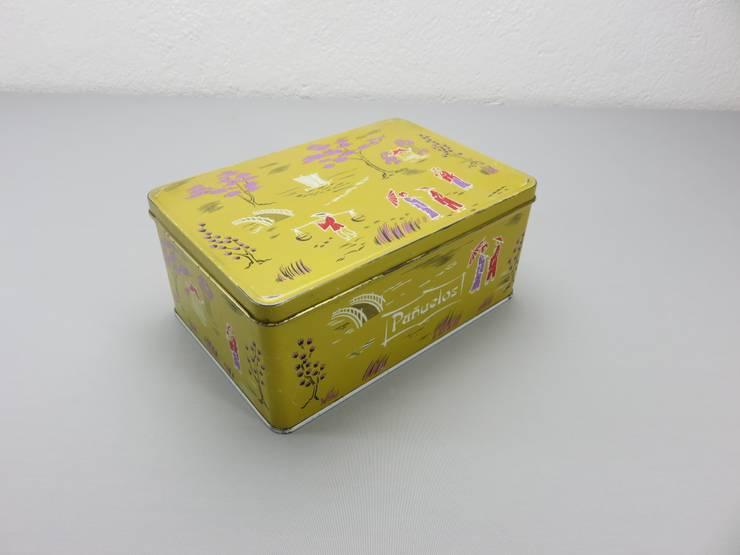 Lata Cola Cao modelo chinos amarrillo, pañuelos: Hogar de estilo  de Foo El perro azul
