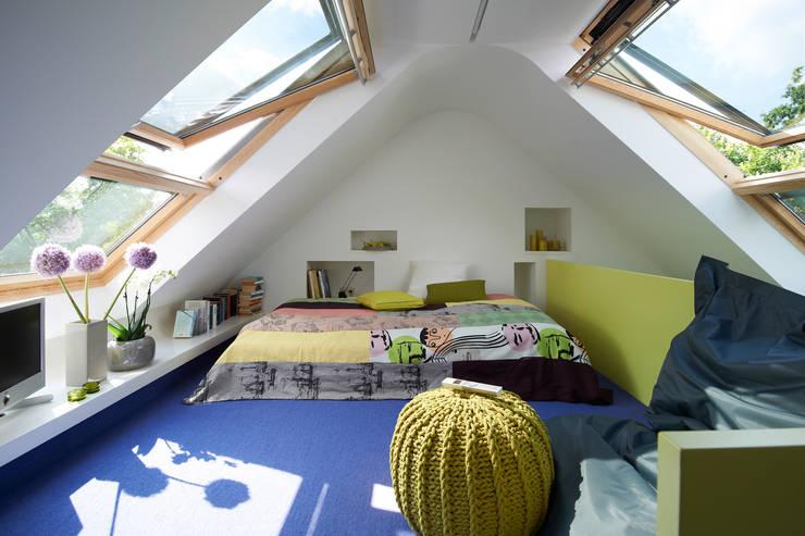 Dormitorios de estilo moderno por DODK Architekten BDA