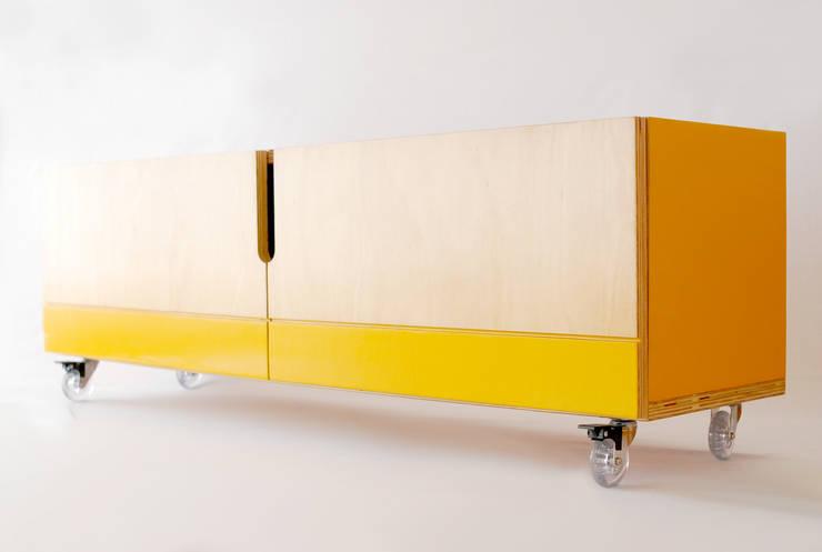 Rack 1981: Casa  por Guif design