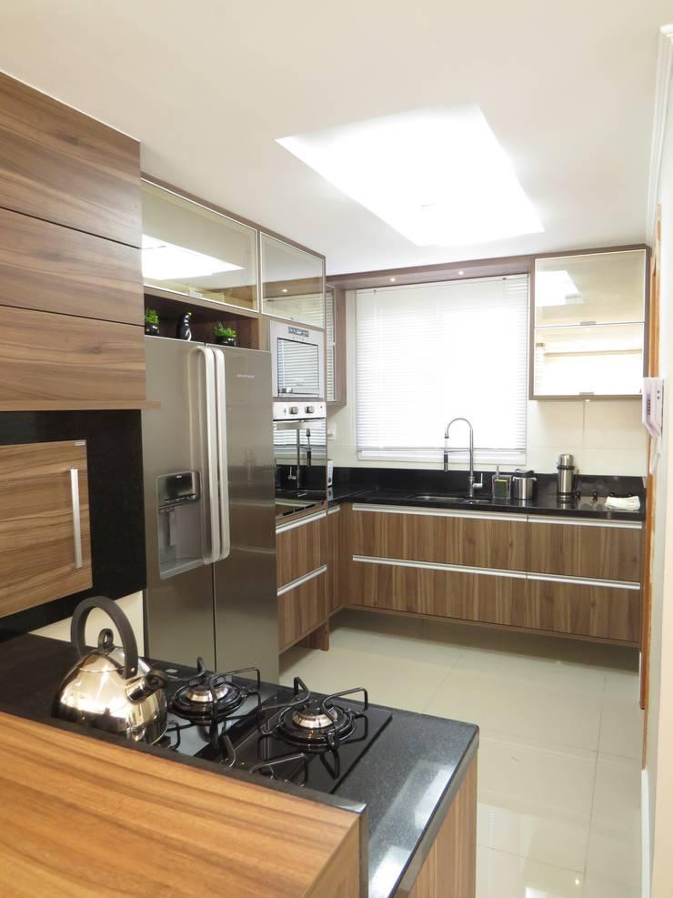 Cozinha americana: Cozinhas  por Paula Oliveira Szabo Arquitetura