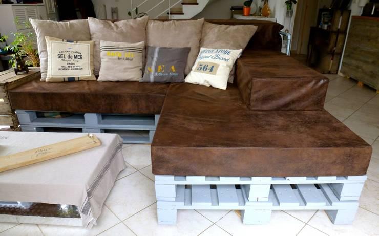 Canapé d'angle Palettes style Indus / Bord de mer: Salon de style  par 2nd Chance Créations